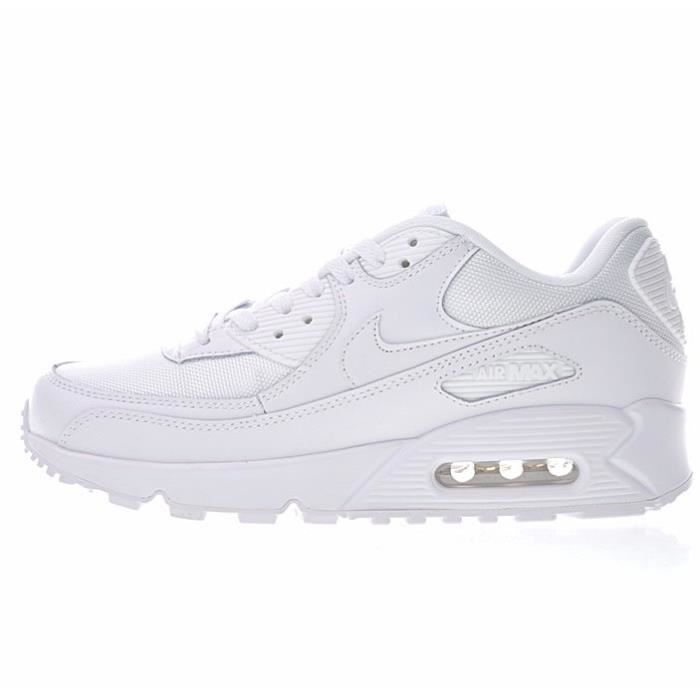 chaussures femme nike requin